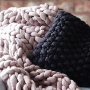 fhsa-chunky-knitted-throw