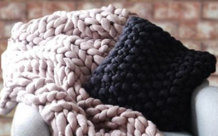 fhsa-chunky-knitted-throw